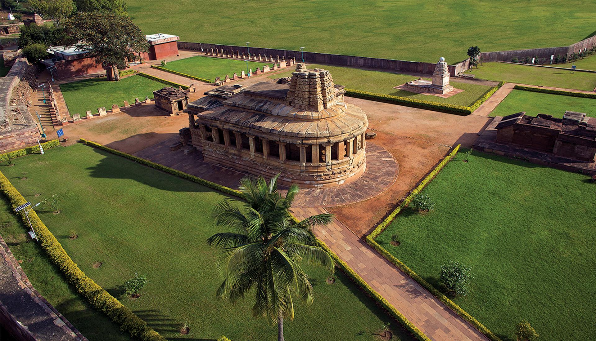 Aihole-durga-hindu-temple