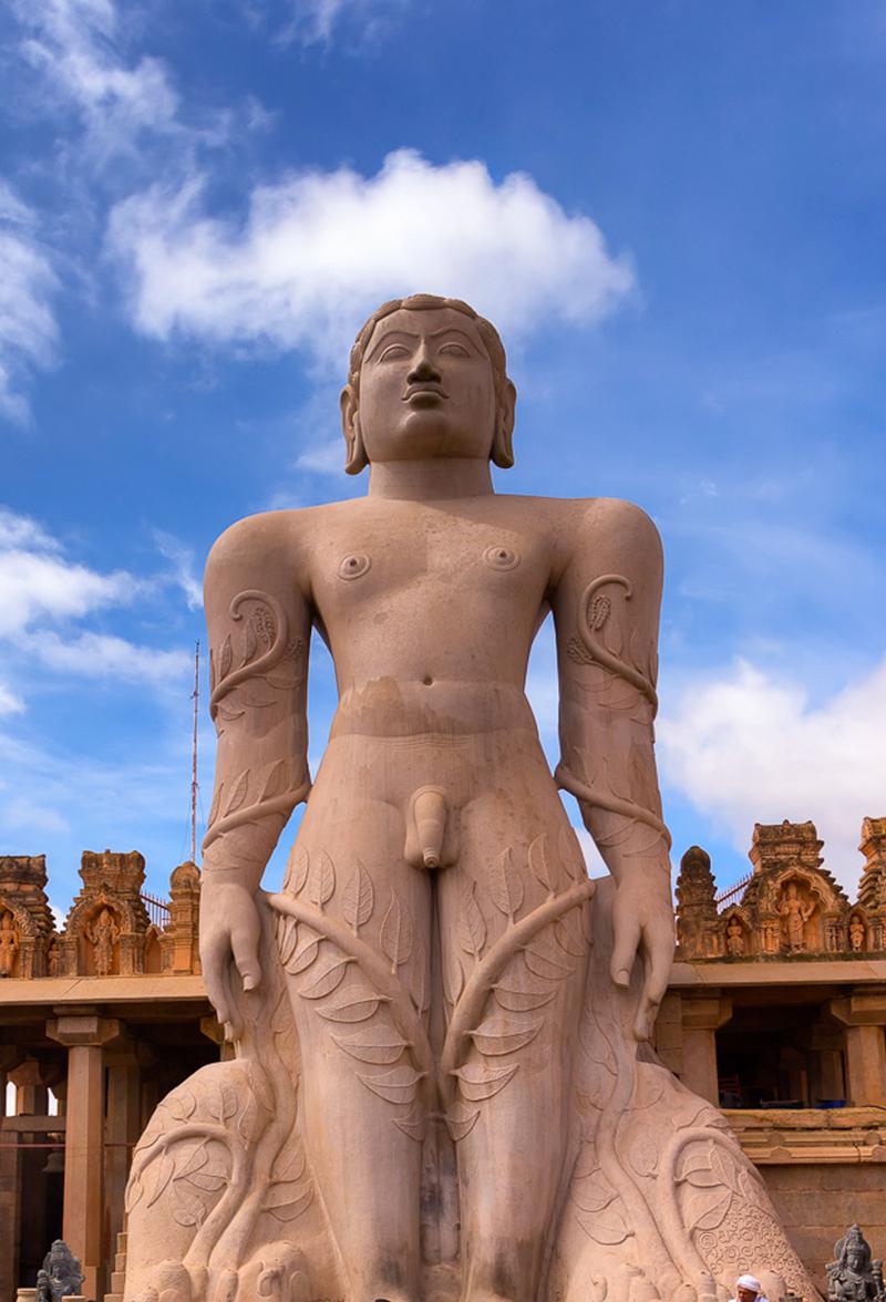 Shravanabelagola - Gomateshwara statue