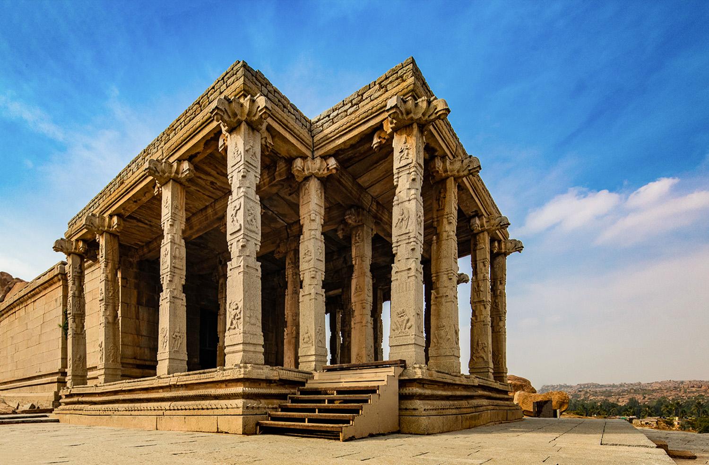 Kadalekalu Ganesha Temple Hampi